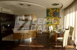 Продается  5-комнатная двухуровневая квартира в ЖК «МИРАКС-ПАРК»