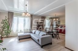 Продается 4-х комнатная квартира с ремонтом и мебелью в ЖК»МИРАКС-ПАРК»